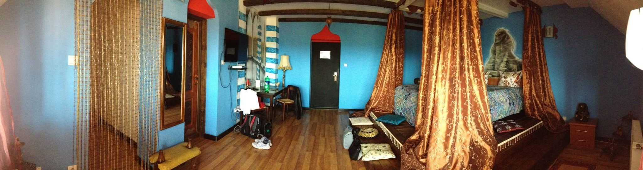 egyptian prince room at Castelul Lupilor